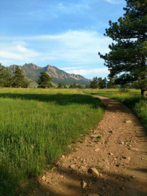 Flatirons_Vista_Loop_Mountain_Views